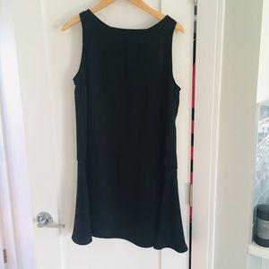 Cute mini black dress!